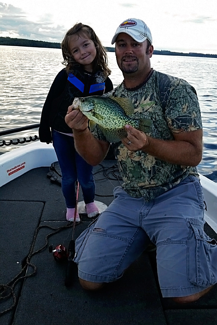Family crappie fishing in Deer River, MN